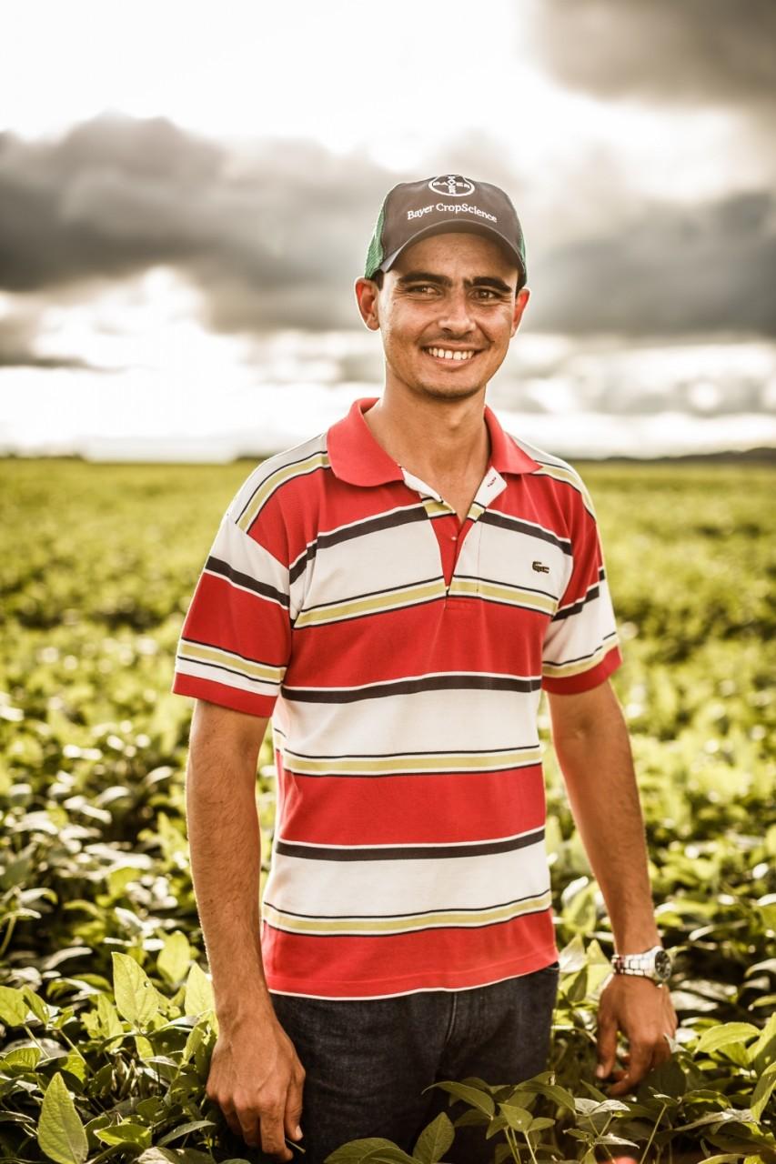 Portrait eines Sojabohnenbauerns.